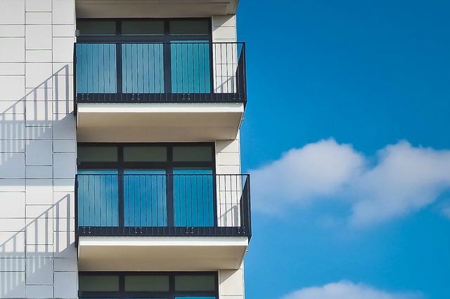 Posadzki żywiczne na balkonie, tarasie… czy warto? Czy posadzka żywiczna to dobre rozwiązanie do domu?