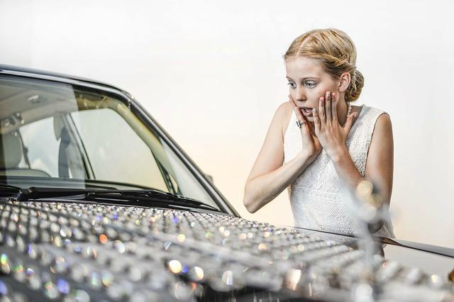 Usuwanie wgnieceń bez lakierowania samochodu, zanim mąż zauważy…