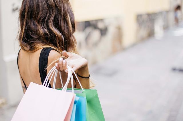 Kupujesz ubrania w Bonprix? Podpowiadamy gdzie szukać promocji i zniżek