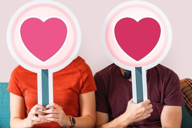 Para ze znakami miłości